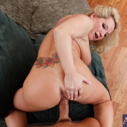 Rachel Love in 'Naughty America' and Tony DeSergio in Housewife 1 on 1 (Thumbnail 10)