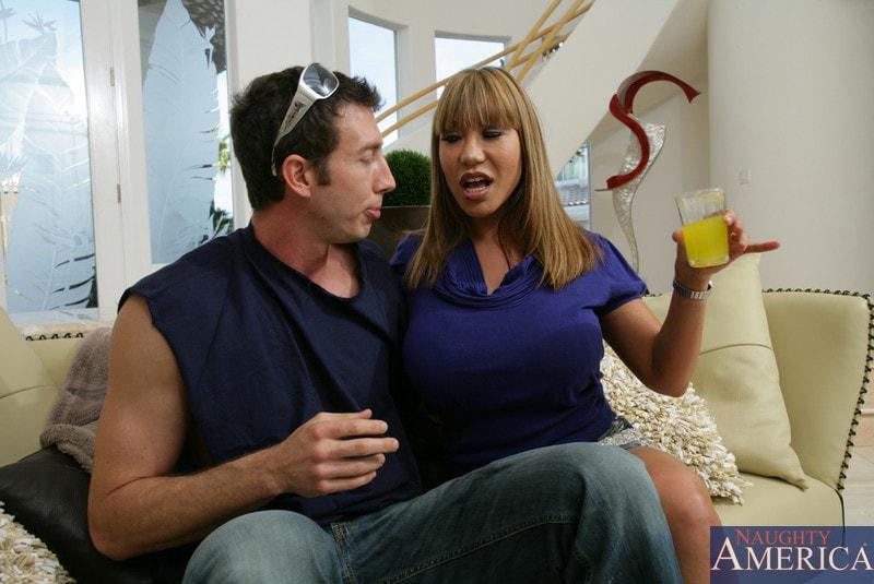 Naughty America 'and Jordan Ash in My Friends Hot Mom' starring Ava Devine (Photo 2)