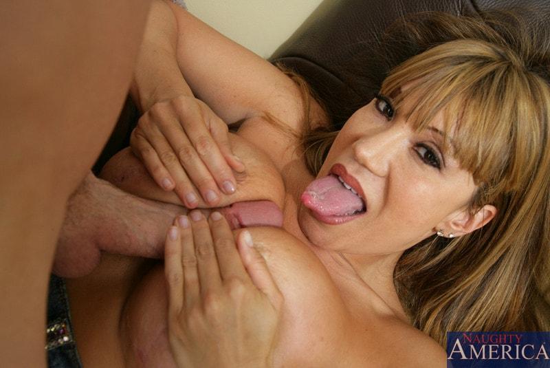 Naughty America 'and Jordan Ash in My Friends Hot Mom' starring Ava Devine (Photo 5)