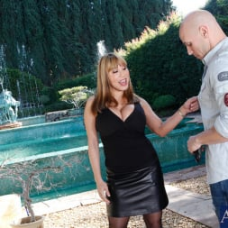 Ava Devine in 'Naughty America' and Johnny Sins in Seduced by a cougar (Thumbnail 1)