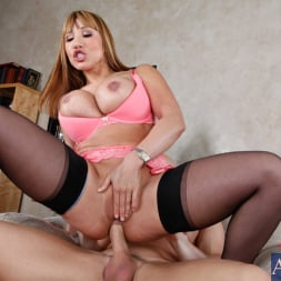 Ava Devine in 'Naughty America' and Johnny Sins in Seduced by a cougar (Thumbnail 9)