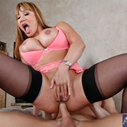Ava Devine in 'Naughty America' and Johnny Sins in Seduced by a cougar (Thumbnail 10)