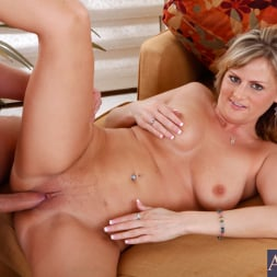 Becca Blossoms in 'Naughty America' and Danny Wylde in My Friends Hot Mom (Thumbnail 11)