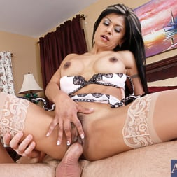 Gabby Quinteros in 'Naughty America' and Charles Dera in Latin Adultery (Thumbnail 14)
