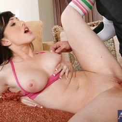 Jennifer White in 'Naughty America' and Will Powers in Naughty Athletics (Thumbnail 6)