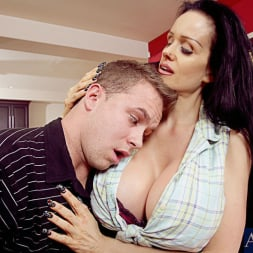 Sofia Staks in 'Naughty America' and Scott Stone in My Friends Hot Mom (Thumbnail 2)