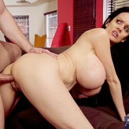 Sofia Staks in 'Naughty America' and Scott Stone in My Friends Hot Mom (Thumbnail 13)