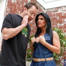 Kendra Secrets に 'Naughty America' and Will Powers in My Friends Hot Mom (サムネイル 2)