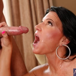 Kendra Secrets に 'Naughty America' and Will Powers in My Friends Hot Mom (サムネイル 15)