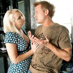 Mandy Sweet in 'Naughty America' and Bill Bailey in My Friends Hot Mom (Thumbnail 2)