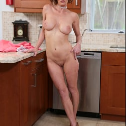 Ainsley Adams in 'Naughty America' My Friend's Hot Mom (Thumbnail 223)