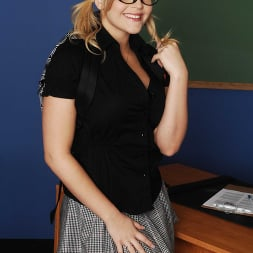 Alexis Texas in 'Naughty America' fucks in classroom (Thumbnail 1)