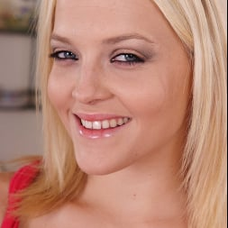 Alexis Texas in 'Naughty America' Housewife 1 on 1 (Thumbnail 112)