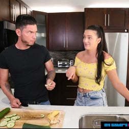 Alice Visby in 'Naughty America' is ready for her cock salad!! (Thumbnail 92)