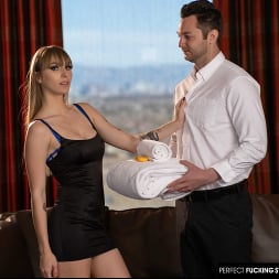 Angel Youngs in 'Naughty America' gets fucked by hotel staff after her breakup (Thumbnail 104)