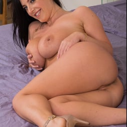 Angela White in 'Naughty America' Is Craving A Big Cock To Satisfy Her  (Thumbnail 31)