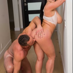 Angela White in 'Naughty America' Is Craving A Big Cock To Satisfy Her  (Thumbnail 186)