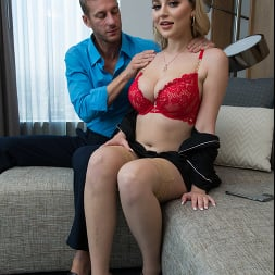 Blake Blossom in 'Naughty America' I Have a Wife (Thumbnail 208)