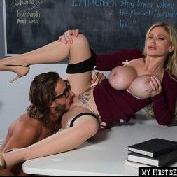Casca Akashova In 'Naughty America' My First Sex Teacher (Ein 114)