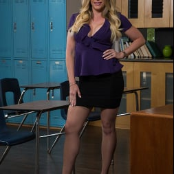Cory Chase in 'Naughty America' gives student tips on making a women's pussy dripping wet (Thumbnail 1)