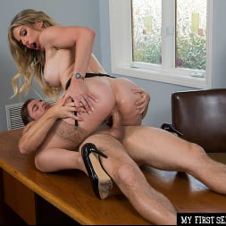 Cory Chase in 'Naughty America' gives student tips on making a women's pussy dripping wet (Thumbnail 48)