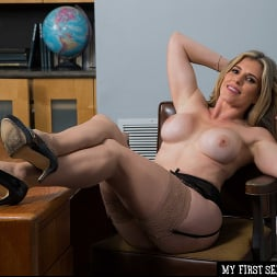 Cory Chase in 'Naughty America' gives student tips on making a women's pussy dripping wet (Thumbnail 176)