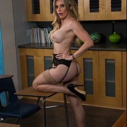 Cory Chase in 'Naughty America' gives student tips on making a women's pussy dripping wet (Thumbnail 192)