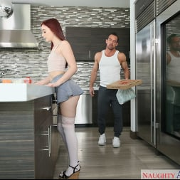 Danni Rivers in 'Naughty America' fucks step daddy while mommy is out (Thumbnail 138)