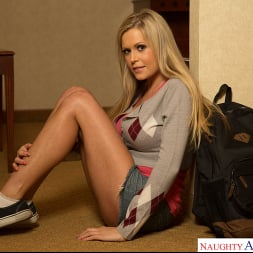 Darcy Tyler in 'Naughty America' College Sugar Babes (Thumbnail 12)