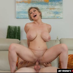 Dee Williams in 'Naughty America' My Friend's Hot Mom (Thumbnail 152)