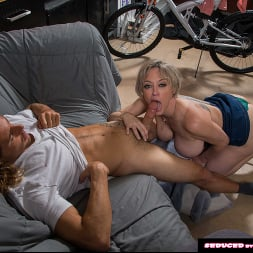 Dee Williams in 'Naughty America' doesn't get mad, she get's even! (Thumbnail 51)