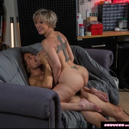 Dee Williams in 'Naughty America' doesn't get mad, she get's even! (Thumbnail 119)