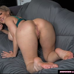Dee Williams in 'Naughty America' doesn't get mad, she get's even! (Thumbnail 221)
