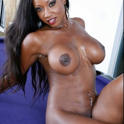 Diamond Jackson in 'Naughty America' My Friend's Hot Mom (Thumbnail 18)