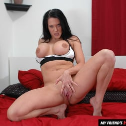 Elle Cee in 'Naughty America' takes a young cock (Thumbnail 156)