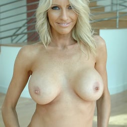 Emma Starr in 'Naughty America' Diary of a Milf (Thumbnail 120)