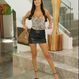Gianna Dior in 'Naughty America' Housewife 1 on 1 (Thumbnail 1)