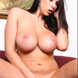 Gianna Michaels in 'Naughty America' Diary of a Nanny (Thumbnail 87)