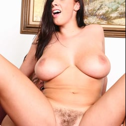Gianna Michaels in 'Naughty America' Diary of a Nanny (Thumbnail 319)