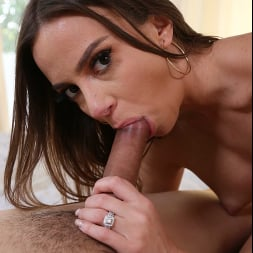 Havana Bleu in 'Naughty America' gets fucked by a big cock (Thumbnail 60)