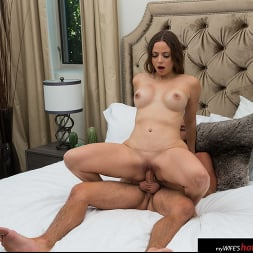 Havana Bleu in 'Naughty America' needs some cock while on vacation (Thumbnail 60)