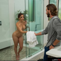 Havana Bleu in 'Naughty America' needs some cock while on vacation (Thumbnail 180)