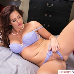 Holly Heart in 'Naughty America' gets her pipes filled by the plumber (Thumbnail 36)