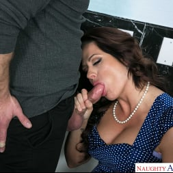 Holly Heart in 'Naughty America' gets her pipes filled by the plumber (Thumbnail 216)