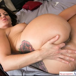 Holly Heart in 'Naughty America' gets her pipes filled by the plumber (Thumbnail 503)