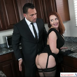 Janet Mason in 'Naughty America' gets a Cream Pie consolation (Thumbnail 140)