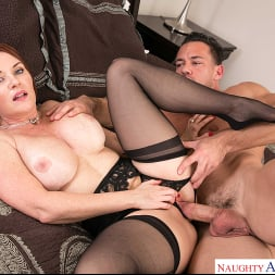 Janet Mason in 'Naughty America' gets a Cream Pie consolation (Thumbnail 252)