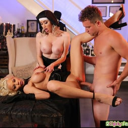 Katie Monroe in 'Naughty America' and Riley Steele get fucked (Thumbnail 48)