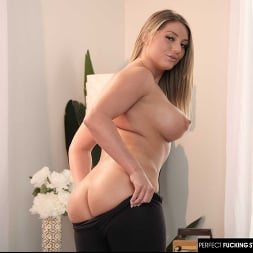 Kayley Gunner in 'Naughty America' uses yoga positions to fuck instructor (Thumbnail 30)