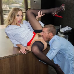 Khloe Kapri in 'Naughty America' fucks her Co-worker to get out of work (Thumbnail 36)